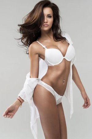 Serrine independent escorts in Garfield & speed dating