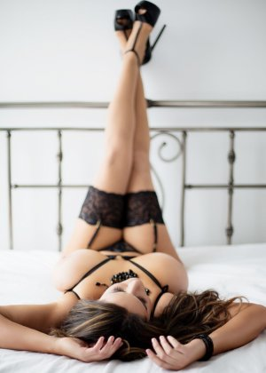Nahomie independent escorts