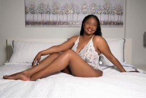 Maria-josefa escort girls in Woodburn OR