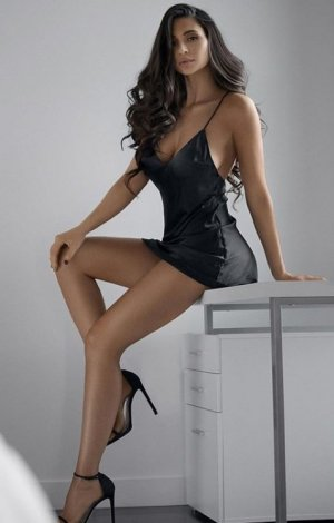 Alida independent escort in Bartlett Tennessee